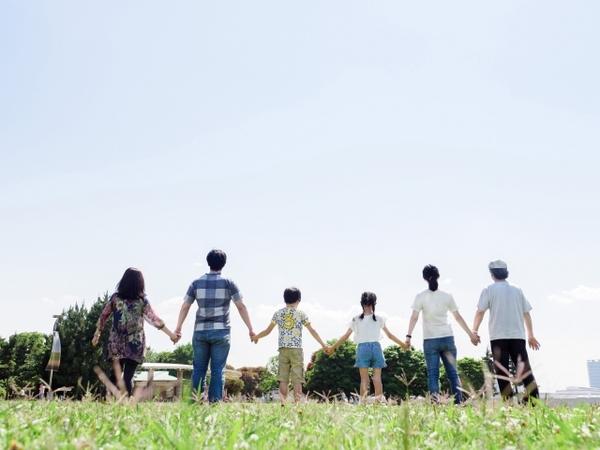 家族信託と成年後見制度の違いについて
